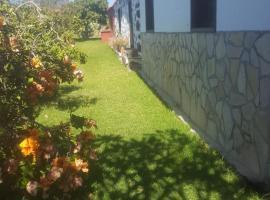 A picture of the hotel: Apartamentos los Verodes