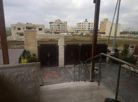 Hotel near Darʿā