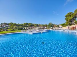 Hotel photo: Blau PortoPetro Beach Resort & Spa