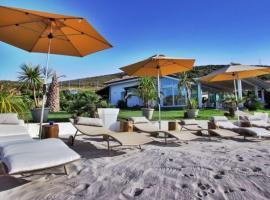 Hotel photo: Castelsardo Villa Sleeps 12 Pool Air Con WiFi
