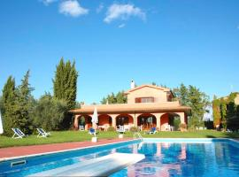Hotel photo: Pitigliano Villa Sleeps 8 Pool WiFi