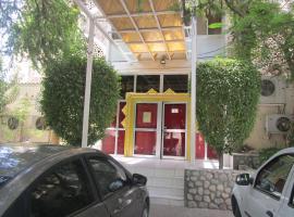 Hotel photo: Qurum Beach Hotel