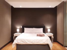 Hotel photo: 1410: The Franklin Luxury Apartments