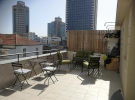 Hotel photo: Penthouse on Rotschild Bd Tel Aviv