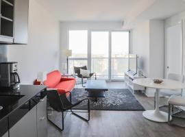 Hotel photo: Modern 2 Bedroom Yonge and Eglinton Condo