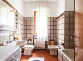 Hình ảnh khách sạn: 5 Bedroom Holiday Home