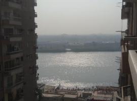 होटल की एक तस्वीर: Nile maadi appartment