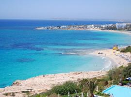 Hotel photo: Beautiful 5 Star Holiday Apartment in a Prime Location in Ayia Napa, Book Early to Secure Your Dates, Ayia Napa Apartment 1282