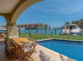 Hotel photo: Sotogrande Marina Apartment With Private Pool