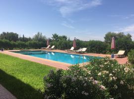 รูปภาพของโรงแรม: La villa rouge
