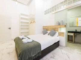 Foto do Hotel: THE WHITE LOFT | WIFI - FREE PARKING ON THE STREET