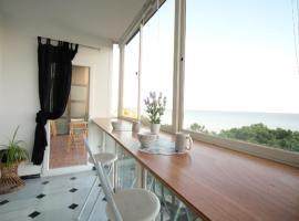 Hotel Foto: Beachfront apartament in private area Calaonda