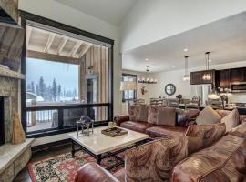 Hotel photo: Alders 714 New Mountain Modern 4 Bedroom Townhome by Summit Cove Lodging