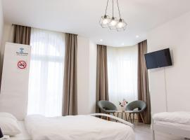 Hotel photo: Grande Plus Apartment Dzungla
