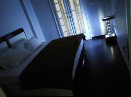 Hotel photo: Lovely apartment with side sea view located in the heart of the Alexandria
