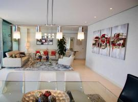 Hotel Foto: Stunning 4BD close to public transport