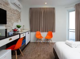 Hotel photo: New & SunnY Studio Apt + BalconY w/SeA vieW