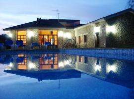 Hotel photo: Casa cerca de la playa, IDEAL PARA FAMILIAS con BBQ, wifi, pista de Padel,billar y futbolin