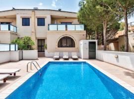 Hotel photo: Il-Qortin ta' Ghajn Zejtuna Villa Sleeps 6 Pool
