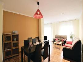Hotel photo: Three-Bedroom Apartment in Elche