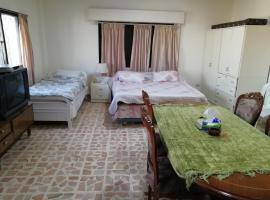 Hotel photo: farhan halasa appartment near all markets and tourist areas 3