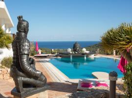 Hotel photo: Luxury private Villa next to Ibiza Downtown