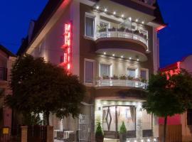מלון צילום: Garni Hotel President de Luxe