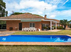 Hotel photo: FULLY-DETACHED VILLA WITH GARDEN, SWIMMING POOL AND NICE SEA VIEWS.