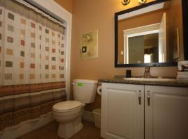 Hotel Photo: Dartmouth downtown Excutive suite 102