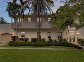 호텔 사진: Beautiful Tropical Home in Coconut Grove