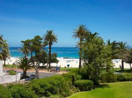 Hotel photo: On CAMPS BAY Beach: location, Location, LOCATION