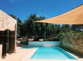 Foto di Hotel: Back to Nature - Tal-Ħarruba Living