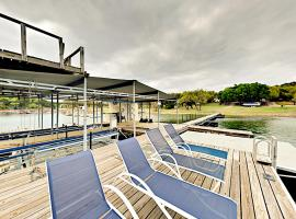 Hotel Photo: Huge Lake Travis Home Home