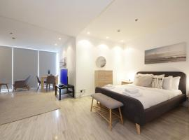 Hotel photo: Signature Holiday Homes - Luxury Studio Apartment D1 Tower Waterfront View