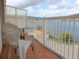 Hotel photo: Apartamento Corcubion Playa de Quenxe