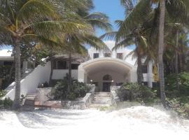 Hotel photo: Beach Front House Playa Maroma