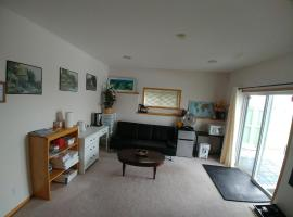 מלון צילום: Spacious 2 bedroom Suite in Amazing Arbour Lake