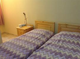 Foto di Hotel: Swatar 3 bedroom 2 bathroom apartment