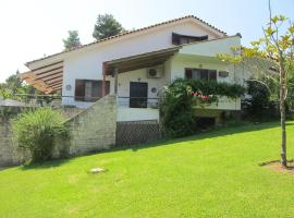 Hotel photo: House in Sani,very close to the beach and marina