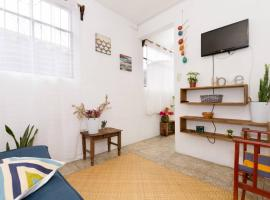 Hotel photo: Colorful flat in the heart of Antigua