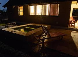 Hotel fotografie: Callies Game Lodge Safaris