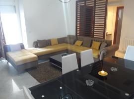 Hotel Foto: S3 richement meublé en face TM LAC 2