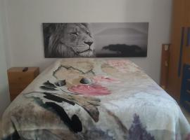 酒店照片: Manises Room. Piso Compartido