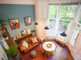 Фотография гостиницы: Stunning, bright property in beautiful West End
