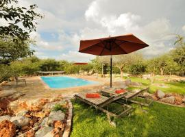 Hotel photo: Etosha Village