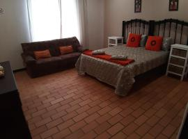 Hotel photo: Roos Getaway Apartments