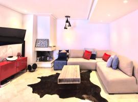 Hotel photo: Luxurious apartment with private rooftop