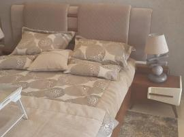 Hotel Foto: New Stylish Beautiful ans Spacious Apartment at Berges du Lac 2 Tunis