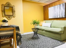 Fotos de Hotel: Apartamento en San Juan, Equip, Parking, de show