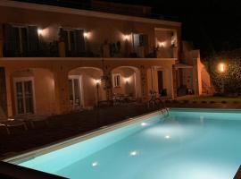 Foto di Hotel: B&B Villa Etelka